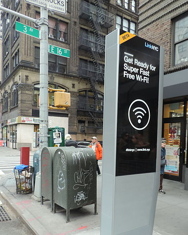 Looking northeast at soon to work LinkNYC station. Photo by Jim Henderson.